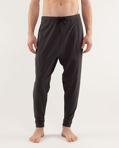 this is why men's yogawear is the latest health trend