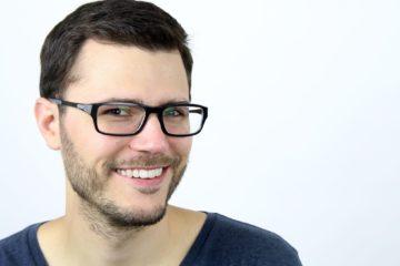 Aaron Barigga contact lenses