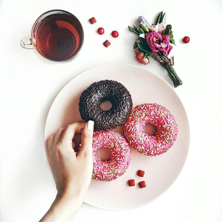 stress-eating   Longevity LIVE