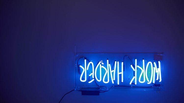 blue light   Longevity LIVE