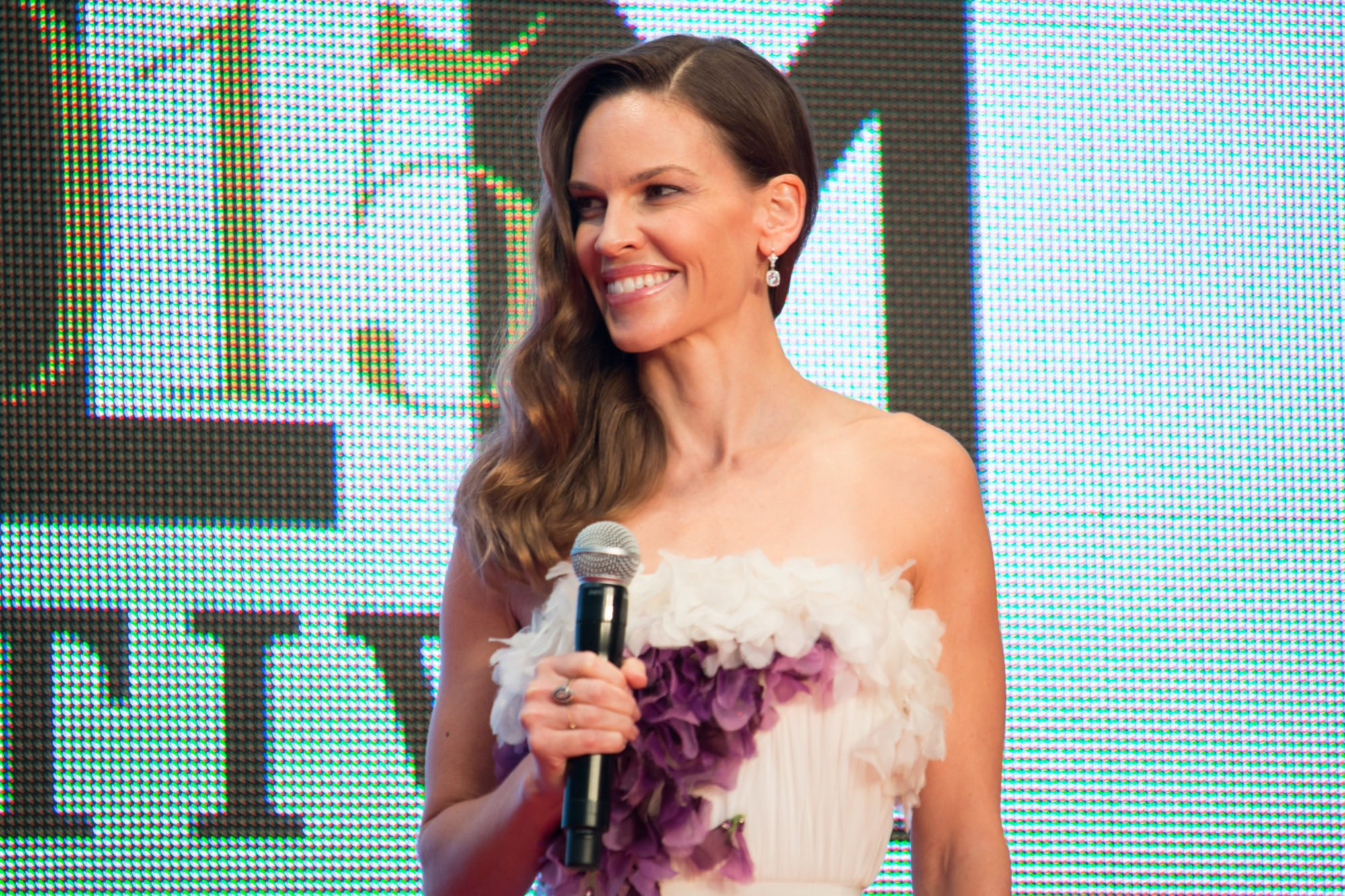 Here S Why Hilary Swank Uses Kettlebells Longevity Live